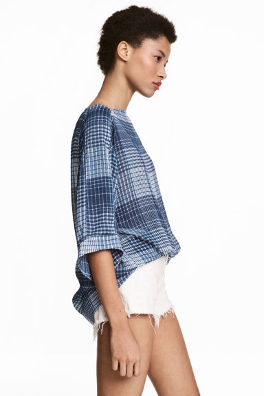 Wide blouse - Dark blue/Checked -  | H&M