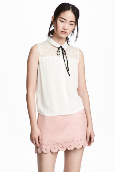 Sleeveless lace-yoke blouse - White - Ladies | H&M CN