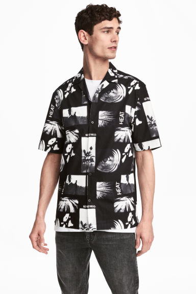Short-sleeve shirt Relaxed fit - Black/Patterned -  | H&M GB