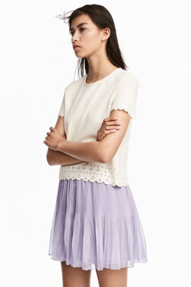 Top with a scalloped trim - Natural white - Ladies | H&M CN