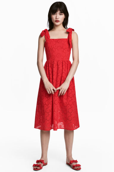 Dress with broderie anglaise - Red - Ladies | H&M CN