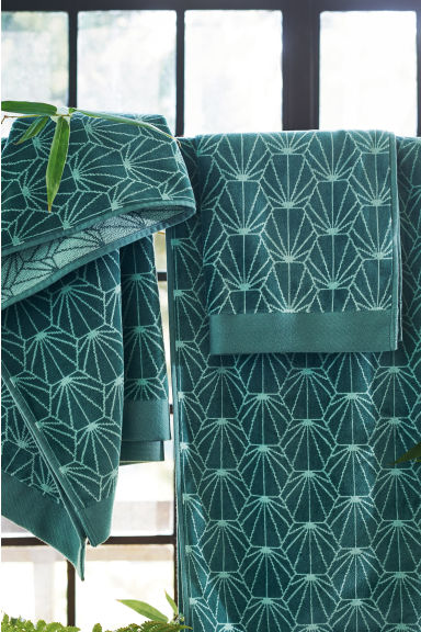 Jacquard-patterned hand towel - Petrol green - Home All | H&M IE