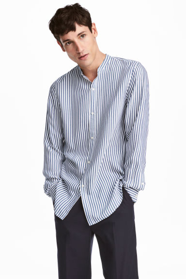 Viscose shirt Slim fit - White/Blue striped - Men | H&M