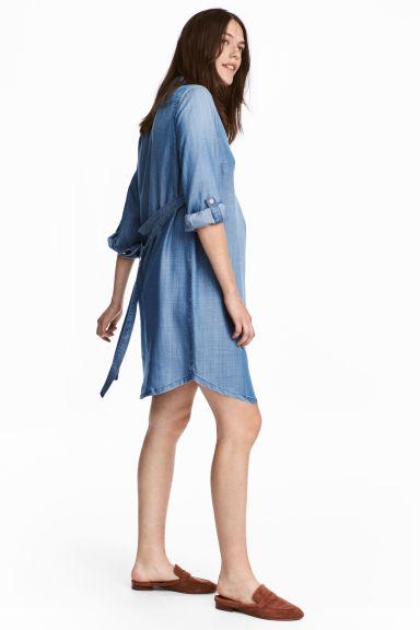 prix réduit grande remise élégant et gracieux MAMA Robe en jean de lyocell