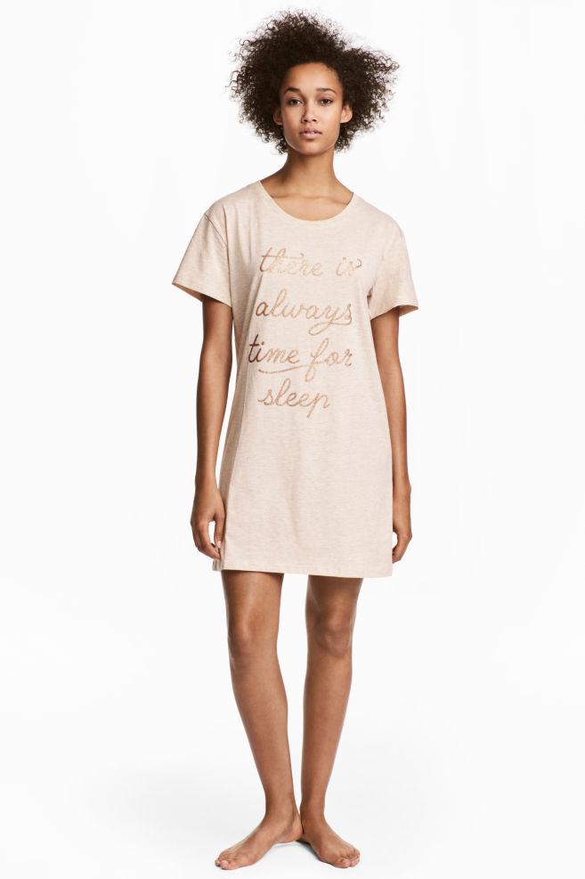 d1ce112fd8f6 Nočná košeľa s potlačou - púdrová - ŽENY