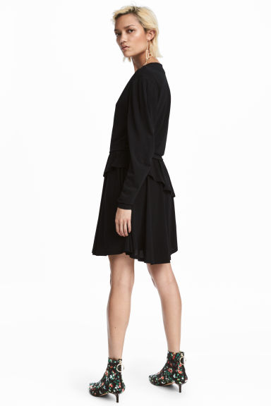 Flounced dress - Black - Ladies | H&M