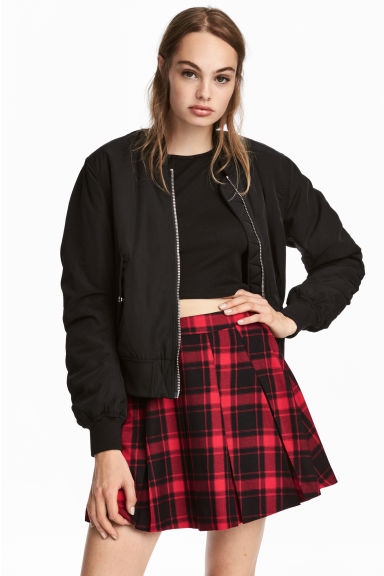 Pleated skirt - Red/Black checked - Ladies | H&M CN