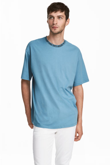 Wide T-shirt - Light blue - Men | H&M CN