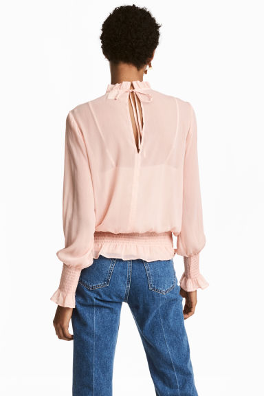 Crinkled chiffon blouse - Powder pink -  | H&M IE