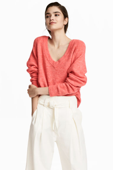 V-neck jumper - Coral red - Ladies | H&M