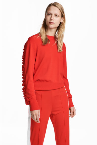 Frilled knitted jumper - Bright red -  | H&M CN