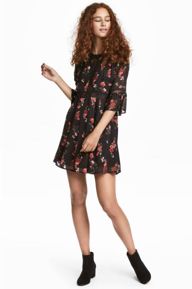 Crêpe dress - Black/Roses - Ladies | H&M