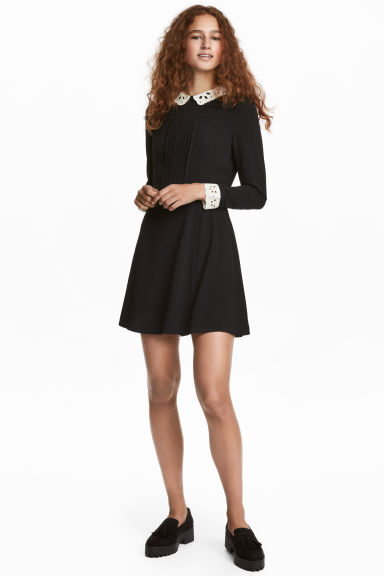 Dress with a lace collar - Black -  | H&M