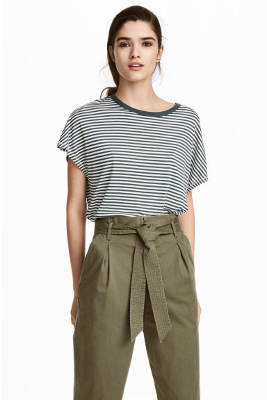 Top with cap sleeves - Dark green/White striped -  | H&M IE