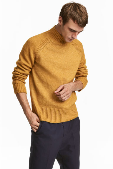 Knitted turtleneck jumper - Dark yellow - Men | H&M