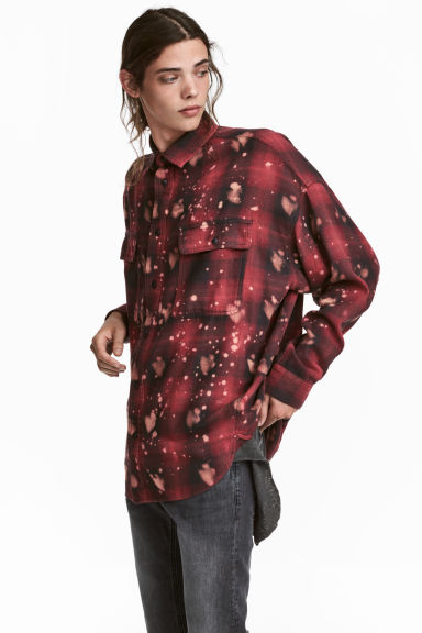 Oversized shirt - Red/Black checked - Men | H&M