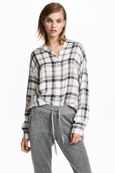 Long flannel shirt - Natural white -  | H&M