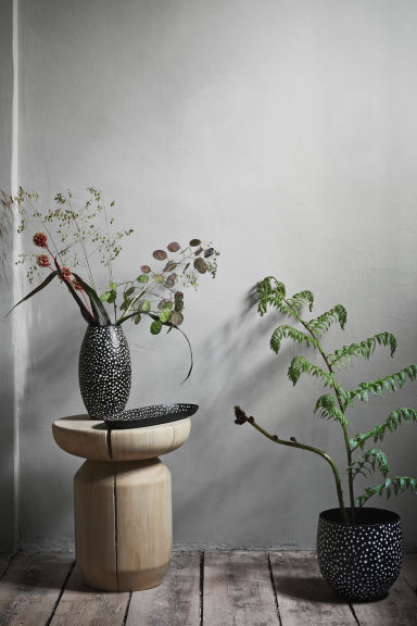 Metal vase - Black/White spotted -  | H&M CN