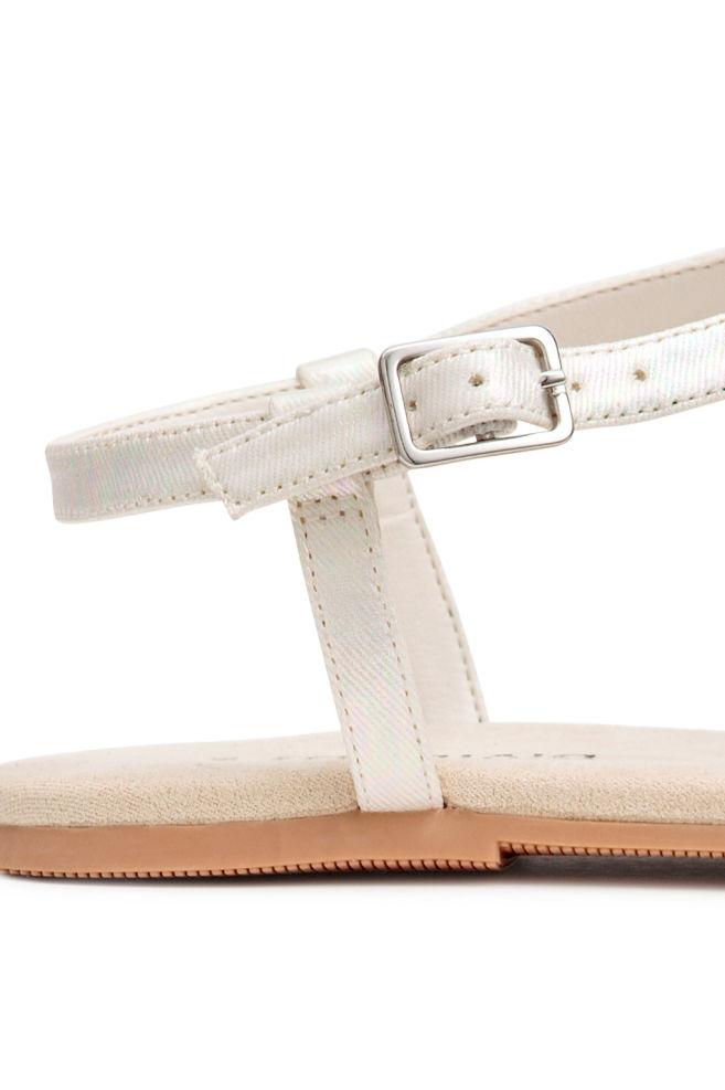 7ec3ebf529 ... Csillámló saru - Fehér - NŐI | H&M ...