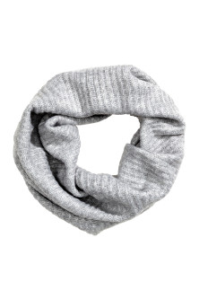 Ribbed tube scarf