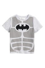 Light grey/Batman