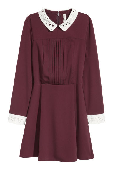 Dress with a lace collar - Burgundy - Ladies | H&M