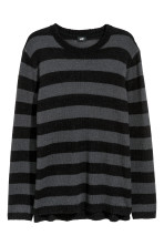 Dark grey/Black striped